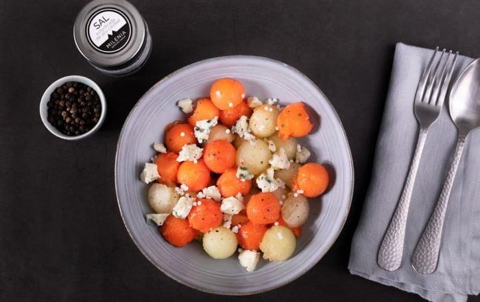 ensalada-papaya-y-esferas-de-sal-milenia